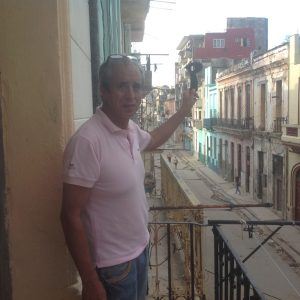 Defender 1 traveling in Cuba